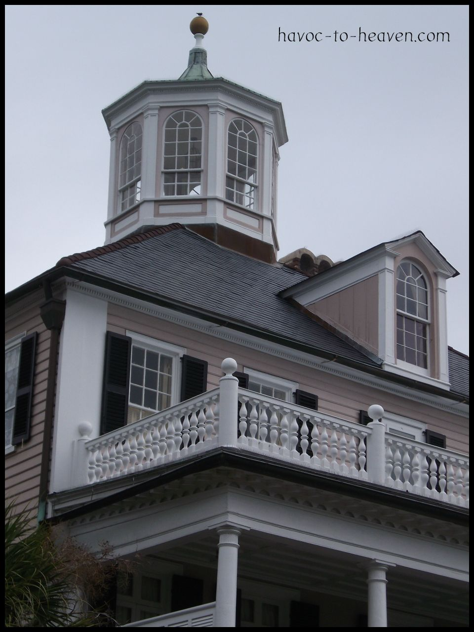 Seeing charleston by horse and carriage havoc to heaven for Pictures of houses with cupolas